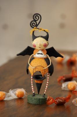 Halloween statue 1
