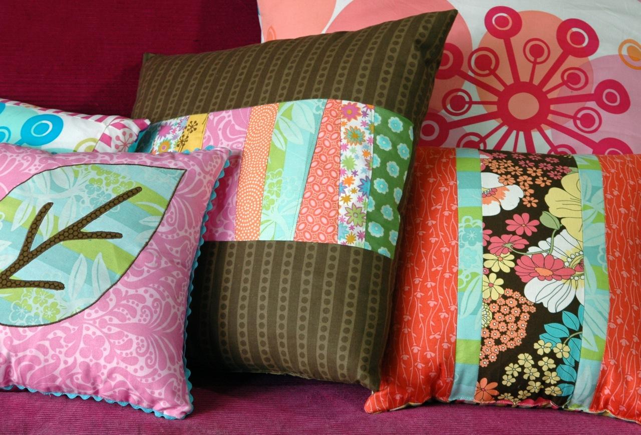 Pillows close 1