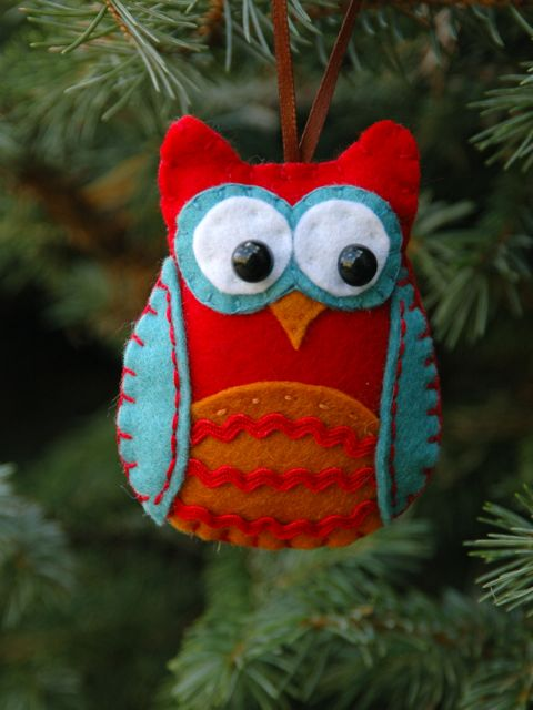 felt owl : give a hoot for the holidays